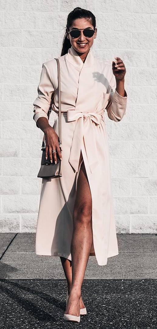 beautiful outfit: nude coat + bag + heels