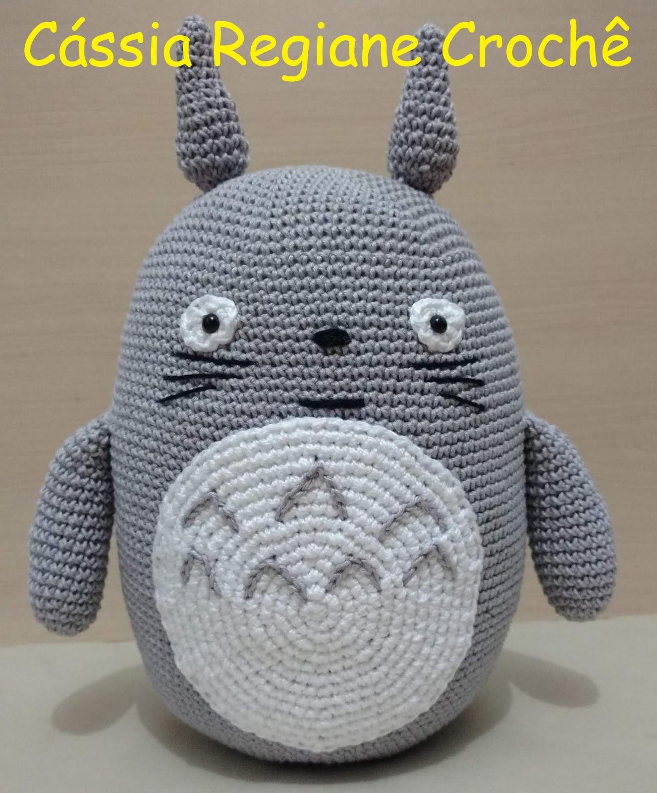 Valentine's Day Cat crochet pattern - Amigurumi Today | 1600x1326