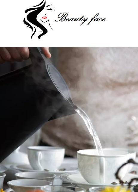 فوائد شرب الماء الساخن,التخسيس بالماء الساخن,شرب الماء الساخن على الريق,المخاوف من الماء الساخن,الأيورفيدا,