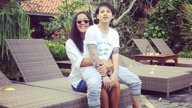 Aming dan istrinya, Evelyn Anjani saat berlibur ke Jogja