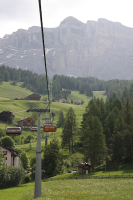 Chairlifts takes you from 1365 to 2050 meters.