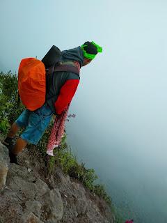 Macam macam penyakit saat mendaki gunungg