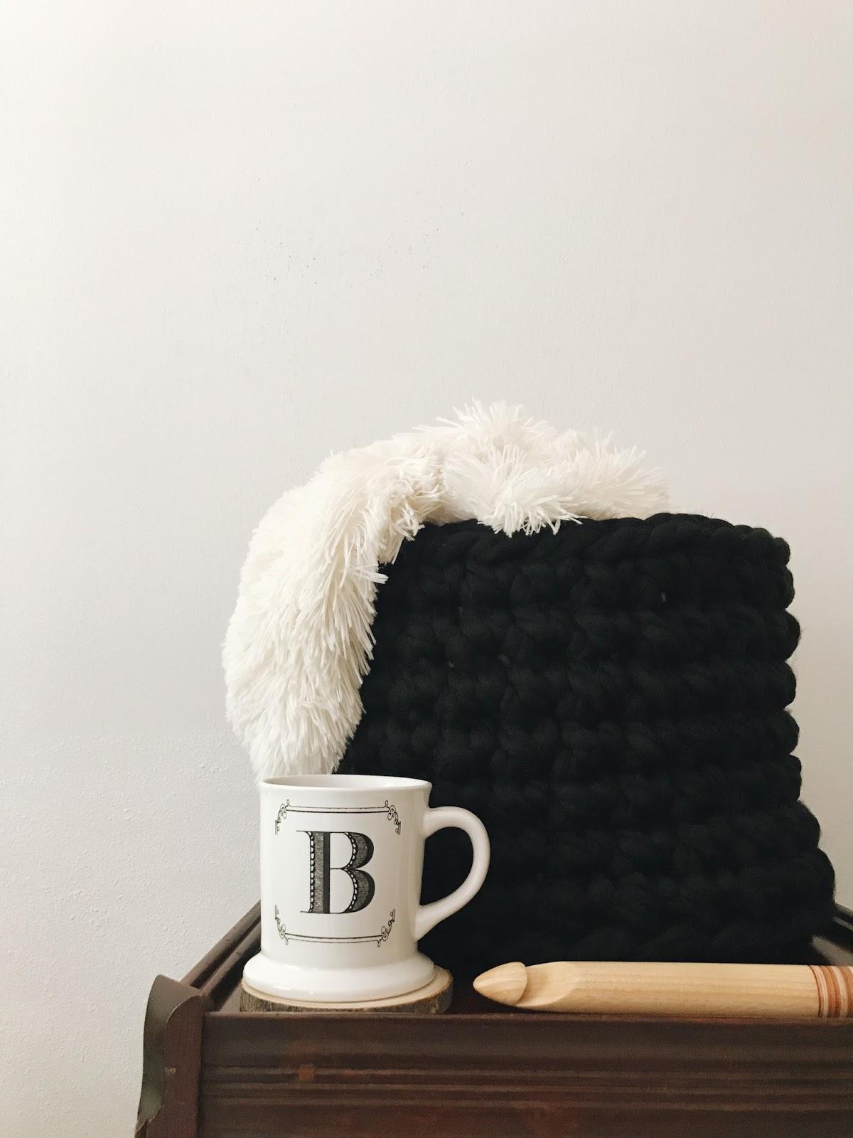 Brenna Ann Handmade: The 30 Minute Jumbo Hook + Yarn Crochet
