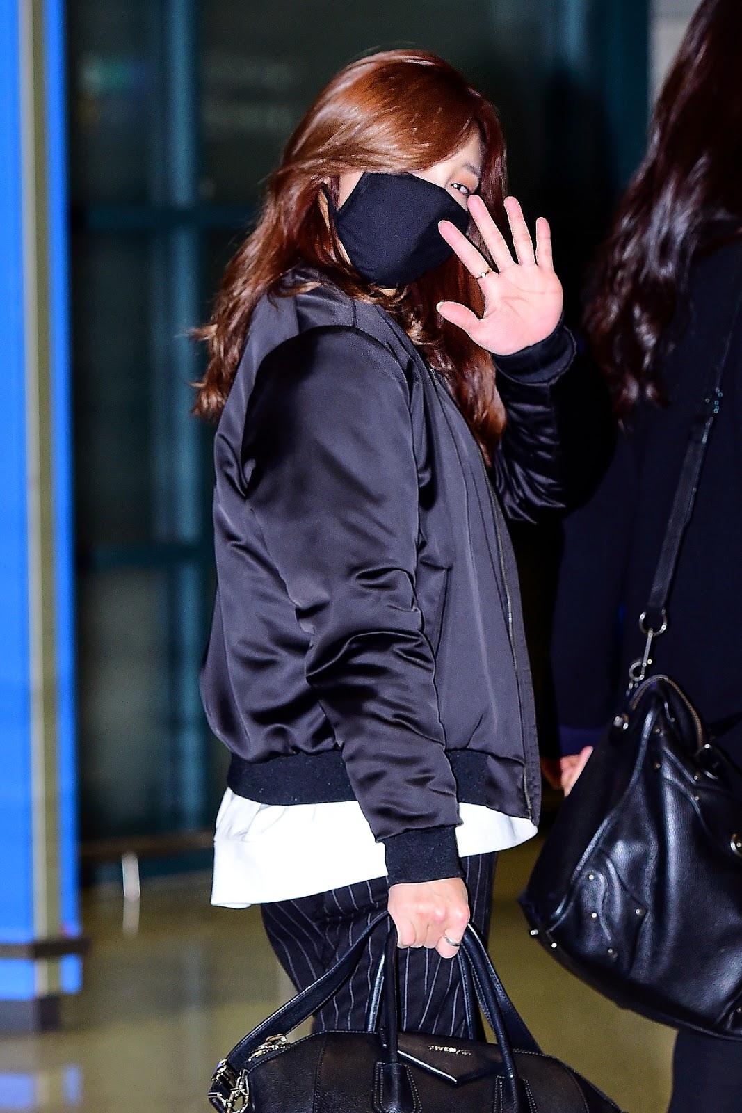 Kpop: Why Do Kpop Idols Wear Masks? - Kpop Behind