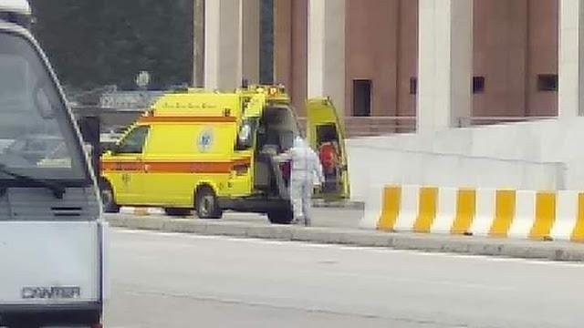 Ηγουμενίτσα: Περίμενε στα σκαλιά του ΟΛΗΓ το ασθενοφόρο