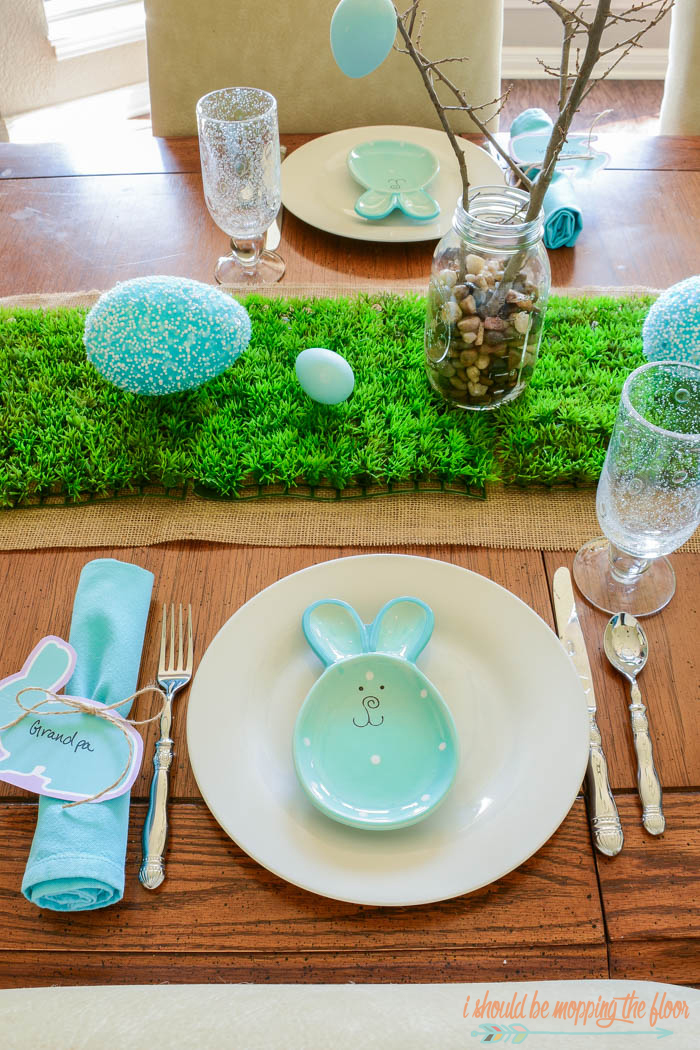 Easter Tablescape on a Budget: Free printable placecards and more to make a fun and festive Easter table that doesn't break the bank.