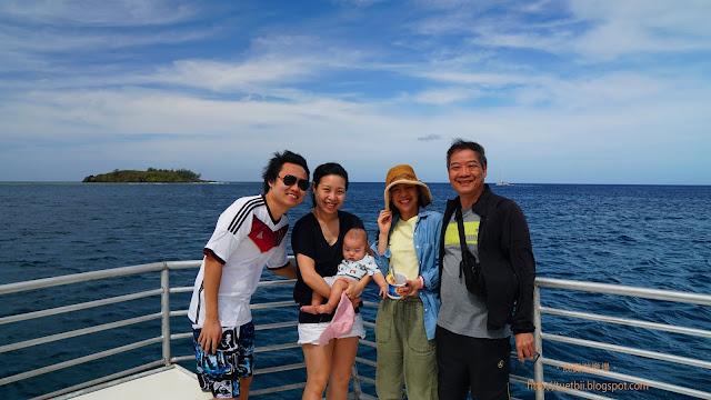 5個半月嬰兒遊關島 - 出海看海豚 然後嬰兒發燒了(!)