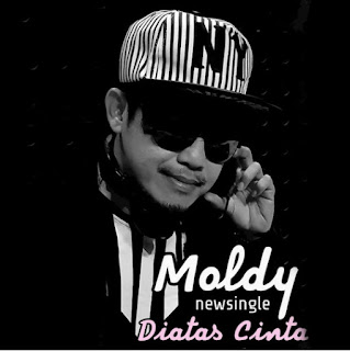 Lirik Lagu Moldy - Diatas Cinta