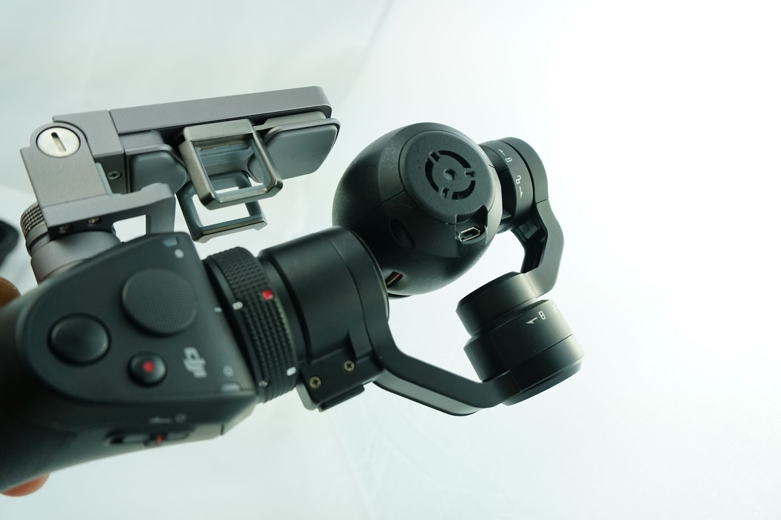 DJI Osmo Camera là lựa chọn phù hợp cho các nhà làm phim không chuyên