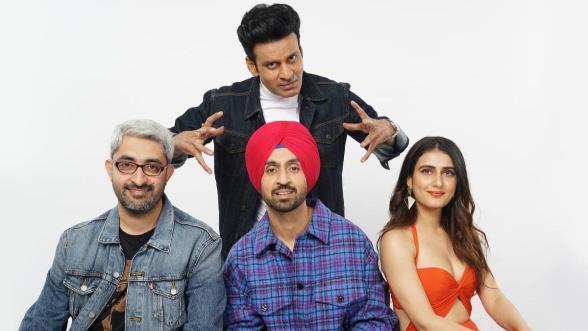 full cast and crew of movie Suraj Pe Mangal Bhari 2020 wiki story, release date, Torbaaz – wikipedia Actress poster, trailer, Video, News, Photos, Wallpaper