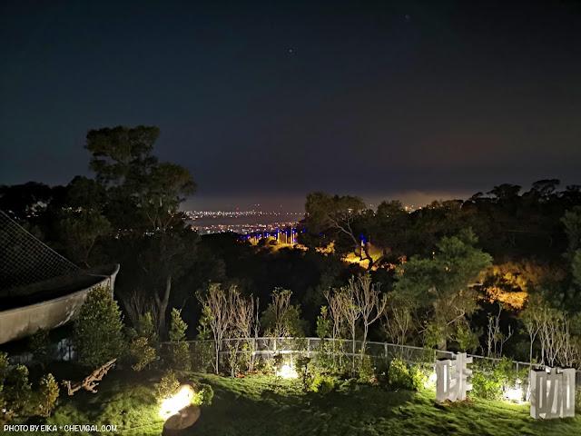 IMG 20180521 213739 - 大肚夜景餐廳│三森咖啡5月新開幕!藍色公路制高點,位置偏僻樹木有點多(已歇業)