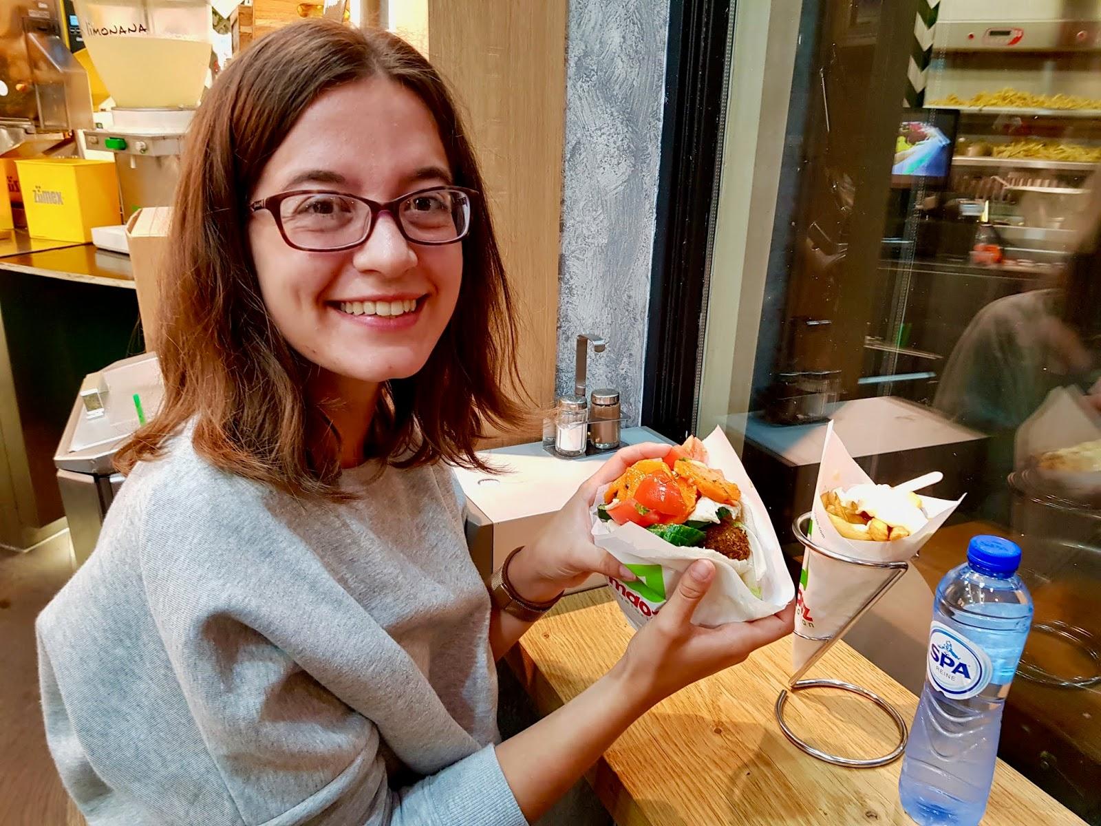 amsterdam vegetarian vegan food sandwich falafel