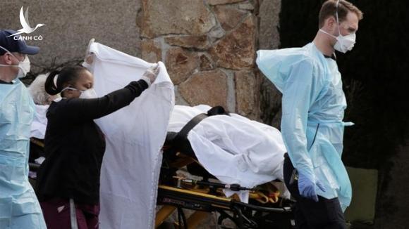 Hơn 500 người nhiễm Covid-19, 8 bang của Mỹ ban bố tình trạng khẩn cấp