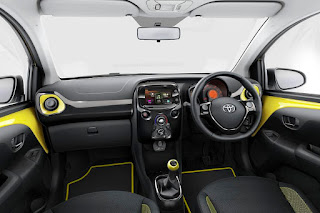Toyota Aygo x-cite 5-Door (2016) Dashboard