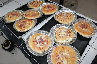 Pembelajaran Variatif KB Kalam Kudus 2020: Membuat Pizza