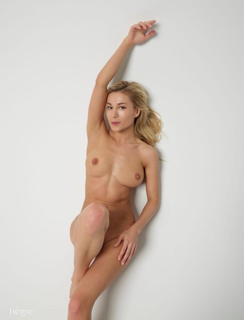 616490 [Art] Darina L - Nude Body Art art 05260