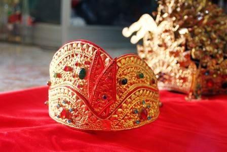 Perhiasan Tradisional Bali - Adat Indonesia