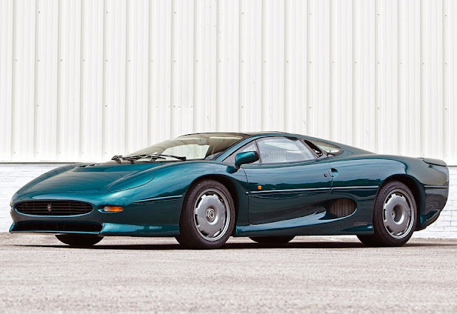 Jaguar XJ 220 British supercar