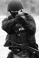 Прицельная стрельба из пистолета