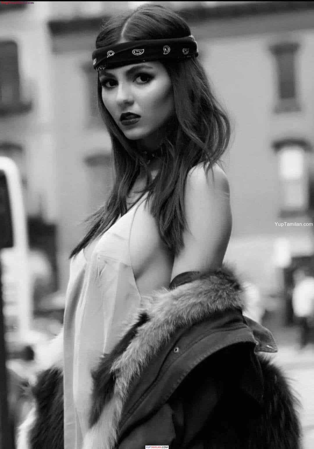 Victoria Justice Sexy Photos - Hot Bikini Pictures