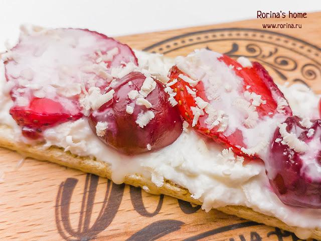 Ягодный десерт с рикоттой: пошаговый рецепт