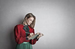 Cara Menulis Feature yang Mampu Menarik Perhatian Pembaca