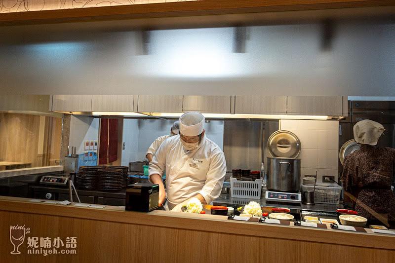 【遠百信義A13美食】炸牛元村(牛かつもと村)。手動炸牛排定食第一品牌