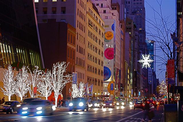 da2da0bce Mais abaixo, entre as ruas 48 e 51, está o Rockefeller Plaza, com a  maravilhosa e mais famosa árvore de Natal da cidade.