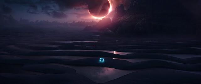 Nếu để ý, bạn sẽ nhận ra sa mạc này là hành tinh khắc nghiệt Vormir, nơi lưu giữ viên đá linh hồn trong Avengers. Hàng nghìn hồ nước hình thành trong một thời điểm nhất định, chủ yếu vào giữa tháng 1 và tháng 6, khi những cơn mưa thường xuyên diễn ra tại đây. Hiện tượng gió mạnh thổi ra biển khá liên tục quanh năm, đặc biệt vào tháng 10, 11 đã hình thành nên các cồn cát.