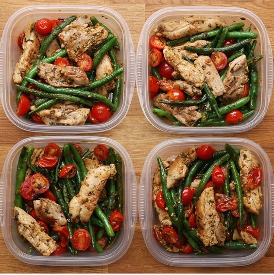 Weekday Meal-Prep Pesto Chicken & Veggies
