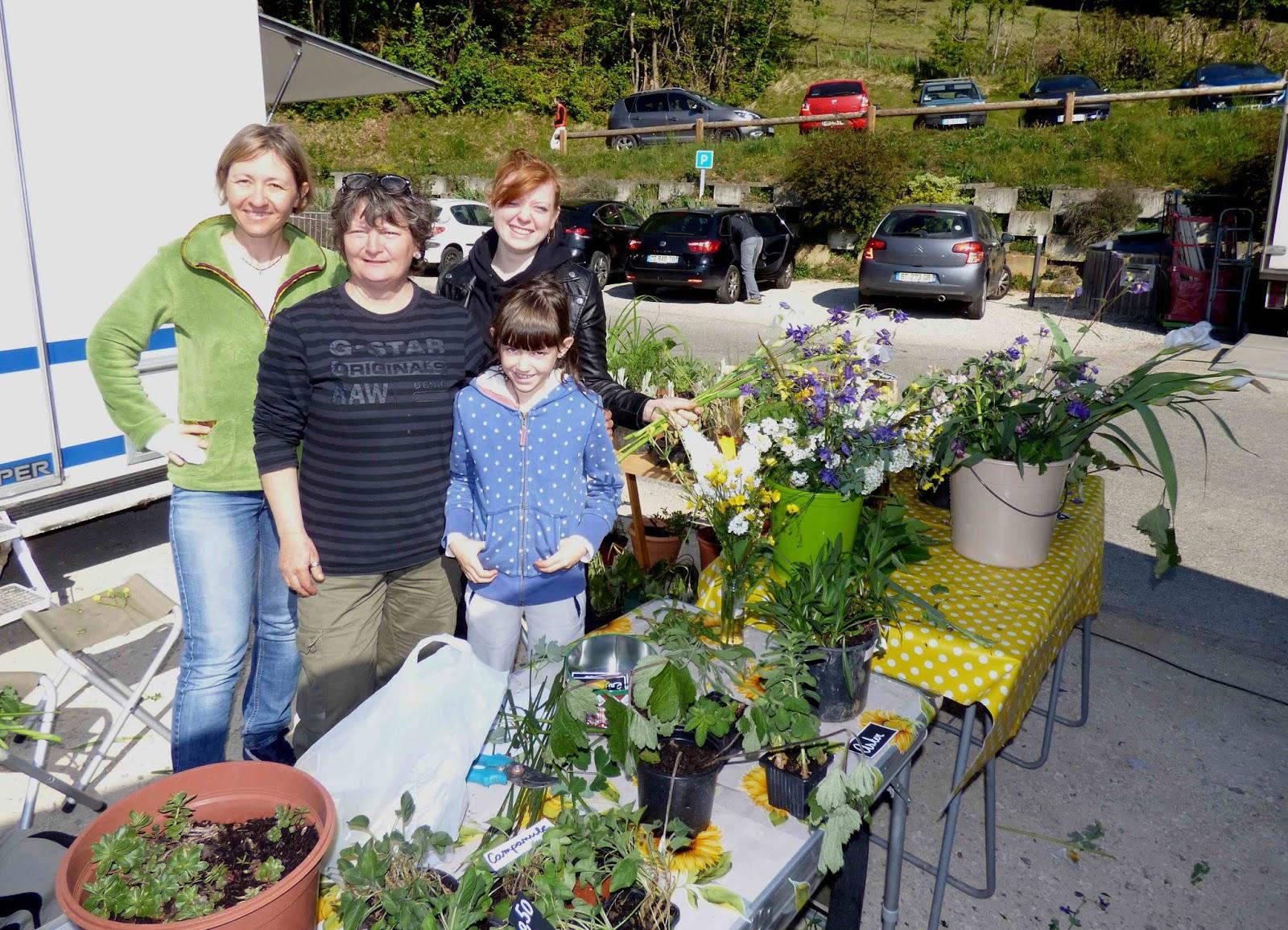 Proveysieux en chartreuse une vente de plantes au profit for Vente de plantes