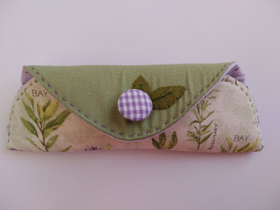 organizador bolso, bag organizer, costura, couture, sewing, bourse, fieltro, felt, feutrine, appliqué, bordado, embroidery, broderie, funda gafas, glasses case