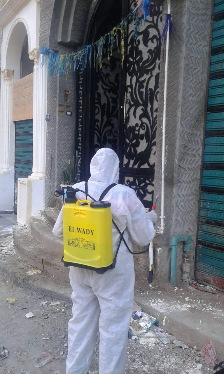 إستمرار أعمال رش وتطهير الشوارع بالمحافظة فى ثالت ايام العيد