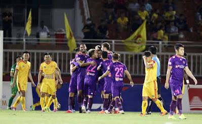 """Video Sài Gòn 3-0 Thanh Hóa: """"Mưa bàn thắng"""" tuyệt đỉnh, đòi lại ngôi đầu"""