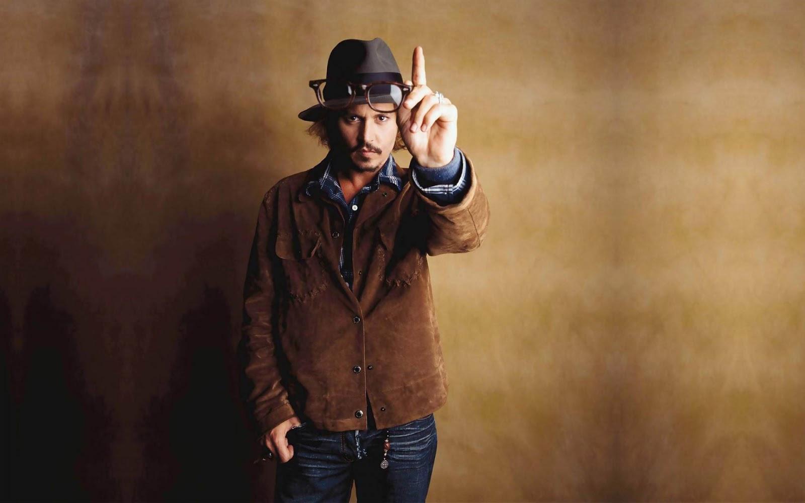 Latest hollywood news : Johnny Depp Gets Teary-Eyed ... джонни депп новости