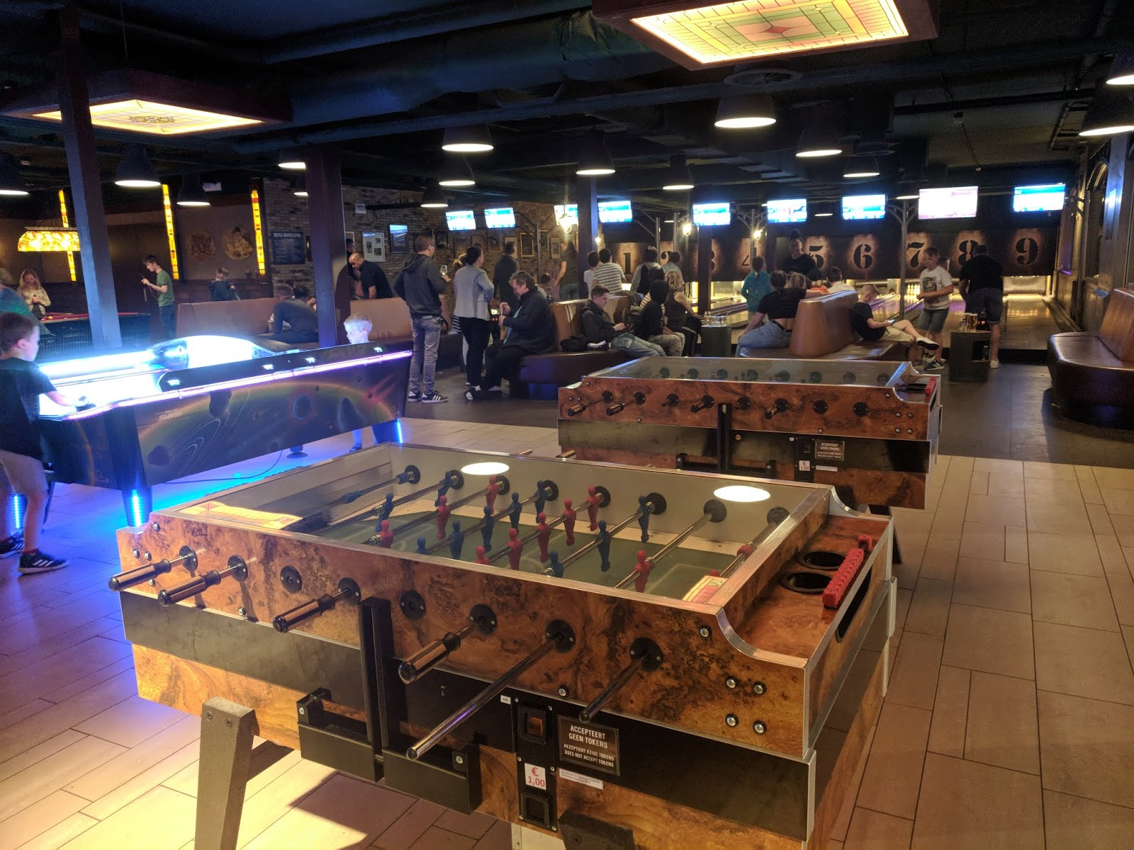 Duinrell Games Machines in Pub
