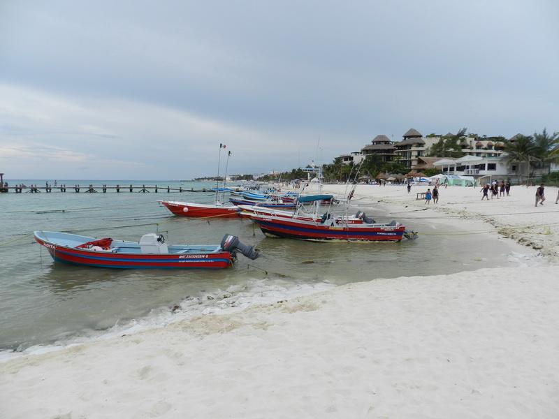 bote en playa del carmen