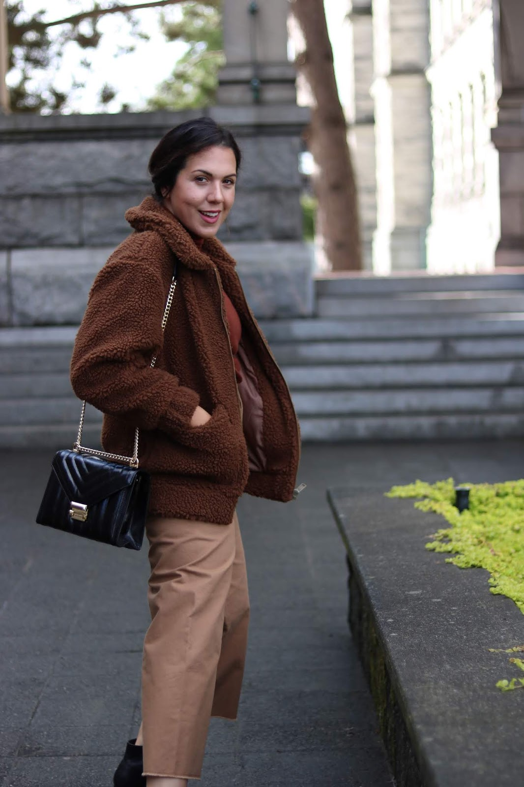 Garage sherpa coat outfit victoria blogger fall fashion