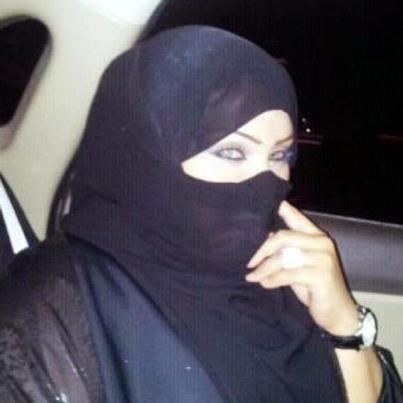 مدام ريتال كويتية مطلقة مقيمة بضاحية صباح السالم الكويت ترغب فى الزواج
