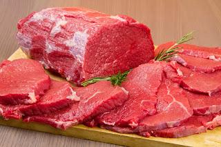 قطع من اللحوم الحمراء