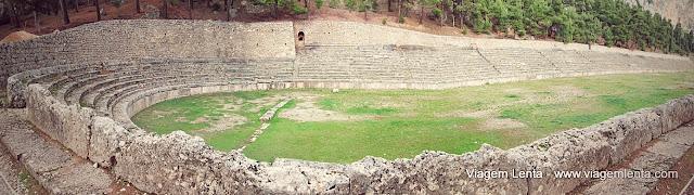 Estádio dos jogos piticos - Delfos, Grécia