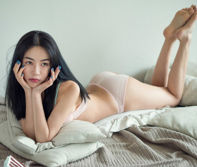 an seo rin lingerie sexy bed
