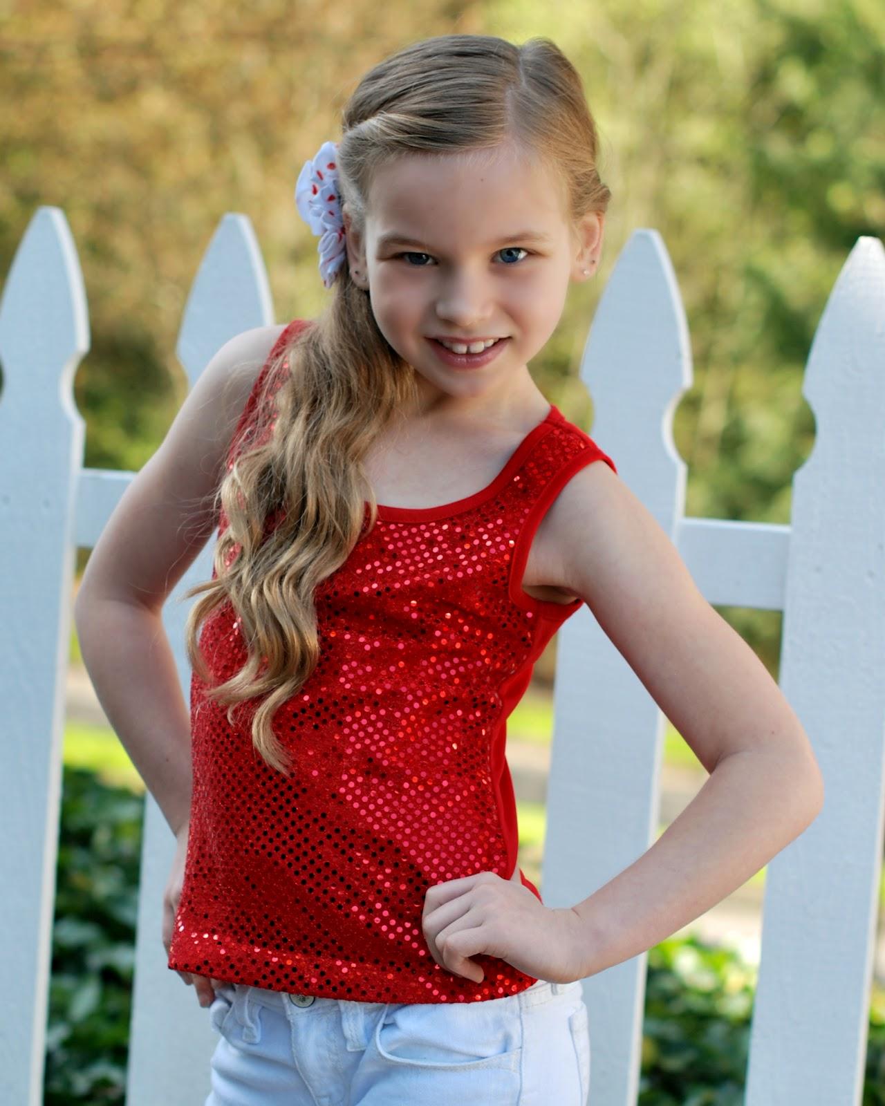 POSE child modeling mag Junior Fashion Experts: Lanas tip
