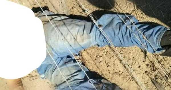 Motoqueiro morre na hora ao colidir com carreta em Russas
