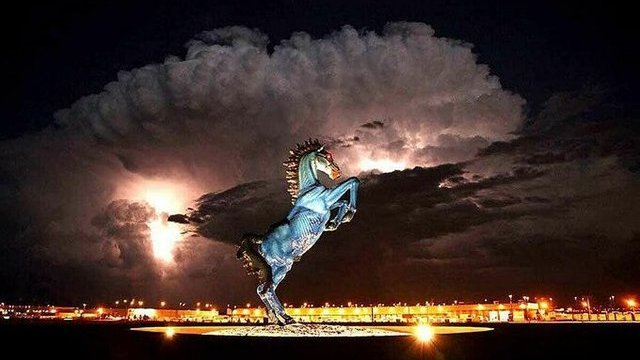 Thực hư sân bay lớn nhất nước Mỹ chứa dấu hiệu kỳ quái về ngày tận thế