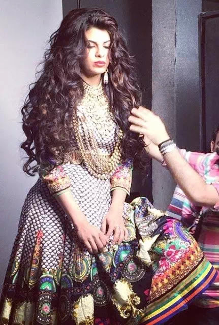 Jacqueline Fernandez curly hairstyle