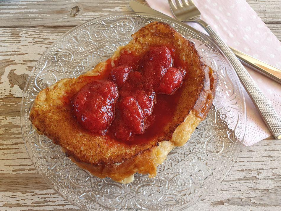 Brioche-perdue-fraises -au-menu-du-jour