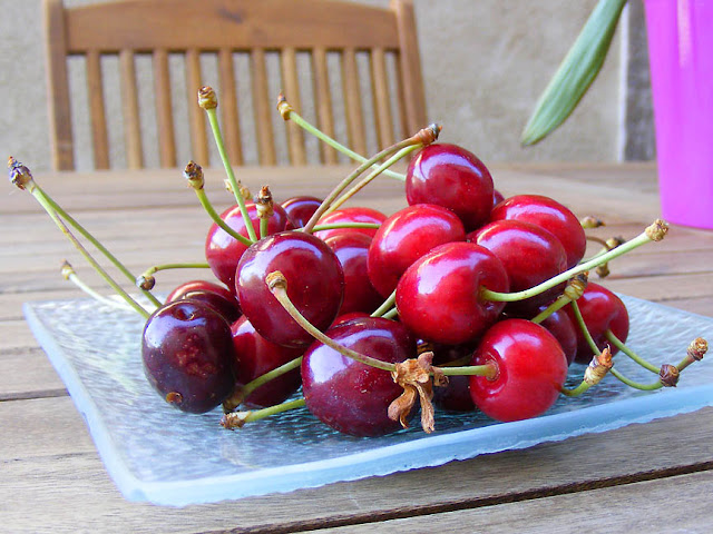 Homegrown sweet cherries. Photo by Loire Valley Time Team.