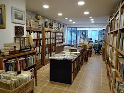 Livraria Homemdoslivros -                             Rua Mártires da Liberdade, 79 - Porto