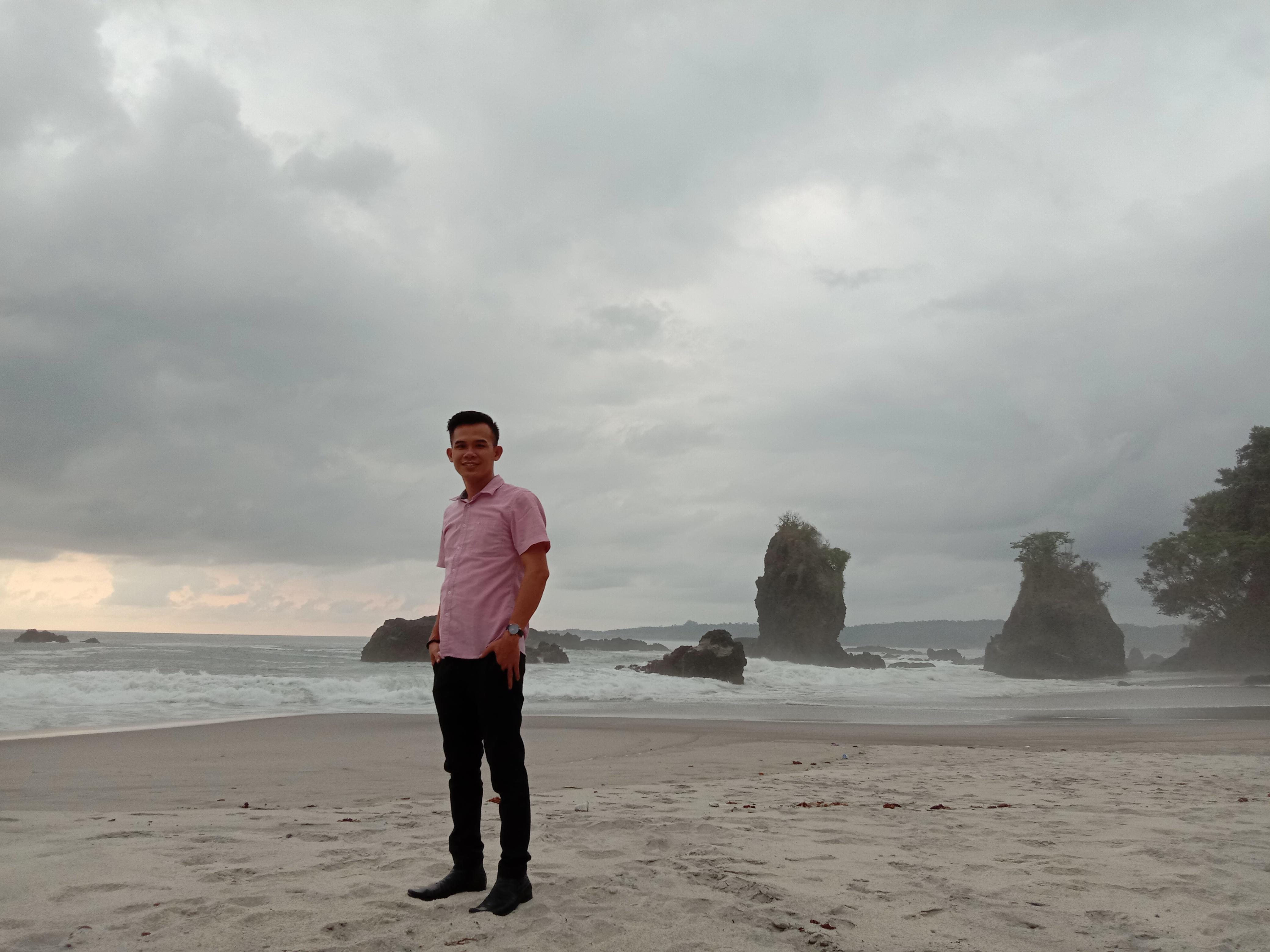 Keunikan Wisata Batu Mirau Pugung Malaya Kecamatan Lemong Pesisir Barat Hartoni Com